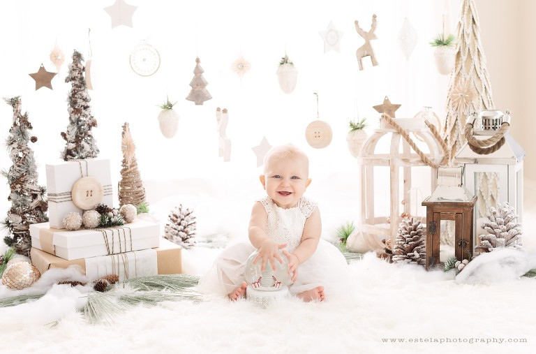 Christmas Mini Sessions.2018 White Christmas Mini Session Houston Baby Photographer